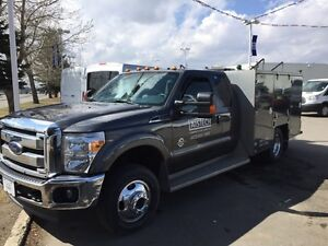 Immaculate 2015 Ford F-350 Lariat w/Brutus Mechanics Service Box