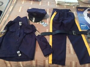 Policeman costume with accessories