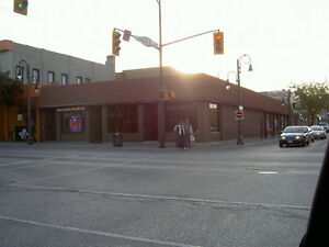 Commercial Store Front in Downtown Leamington