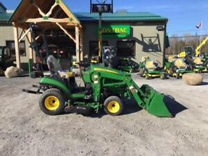 2016 JOHN DEERE 1025R WITH MOWER AUTO CONNECT