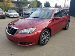 2012 Chrysler 200 S******Leather***Sunroof***Heated Seats