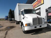 2006 KENWORTH T300 SINGLE AXLE FREIGHTBODY AUTOMATIC