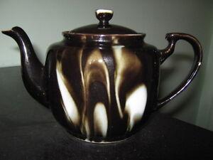 2 small teapots London Ontario image 1