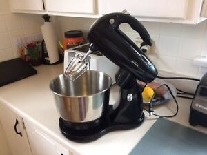 Sunbeam Electric Mixer Peterborough Peterborough Area image 1