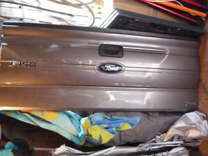 ford 150 tailgate