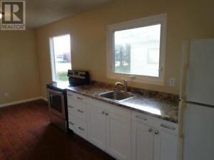 4 Bdrm Duplex - $600 plus utl.  - 5 min. From Humboldt