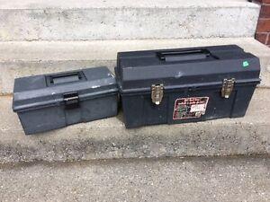 2 coffres à outils ou pour rangement