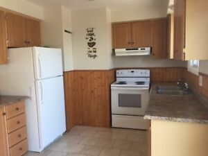 Midland, Upper level 3 bedroom unit, utilities included