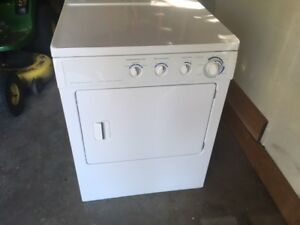Frigidaire propane dryer (stackable)