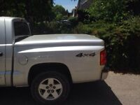 2005 Dodge Dakota Tonneau cover
