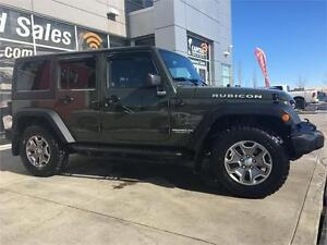 2015 JEEP WRANGLER RUBICON UNLIMITED IN FOREST GREEN & LOW KMS !