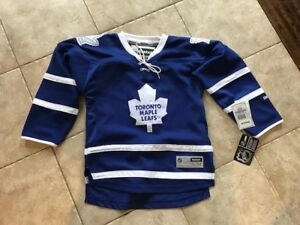 Toronto Maple Leaf  Youth Jersey NWT