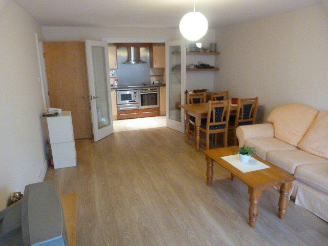 2 large DOUBLE bed Flat, Balcony, Chelsea, Putney, SW18 SW9 SW4 IDEAL FOR EVERYTHING. AVAIL TODAY