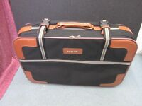 Suitcase for sale.Brand - Courier.Size : 65cm * 40cm * 18cm . Weight - 3kg