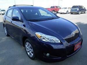 2013 Toyota Matrix AWD FOR WINTER - GREAT ON GAS!