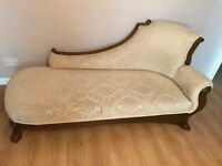 Cream chaise lounger/couch/sofa with wooden legs & base self print jacquard