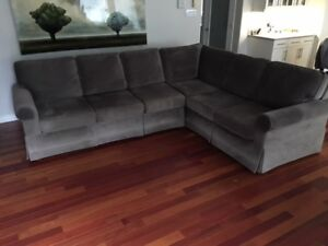 Brentwood Sectional Sofa Couch for Sale