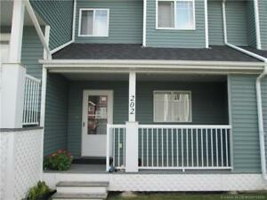 SYLVAN TOWNHOUSE - SHOWS LIKE NEW - GREAT STARTER HOME!!!