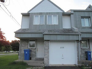 LOVELY 3 LEVEL TOWNHOUSE  ON CORNER LOT WITH GARAGE West Island Greater Montréal image 1