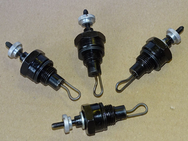 4x Glühkerze 1,2 V für Hanomag R45 R55 R460 R455 R450 Traktor bzw D57 Motor Foto 1
