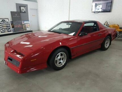 1982 Pontiac Firebird Trans AM Red 3 Speed Automatic Coupe