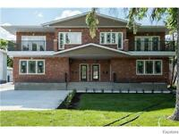 Beautiful Crescentwood Condo for Sale