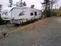 2013 Cooper canyon fifth wheel 324FWBHS ( bunk house)