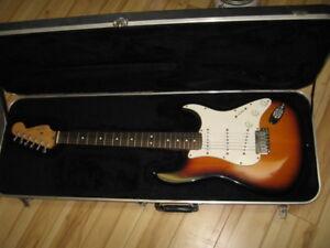 Guitare Stratocaster Fender American deluxe