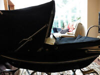 Vintage SILVER CROSS carriage pram in navy & bedding traditional DOLLS size