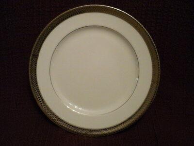 RALPH LAUREN  Chain Bracelet salad plate NWT!!  Gorgeous! Bracelet White Salad Plate