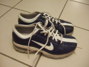 size 7 glof shoes from Nike,1039
