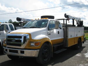 Heavy Truck - Utility - Service Truck