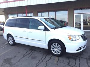 2014 Chrysler Town & Country STOW & GO TOURING Heated Seats,  Bl