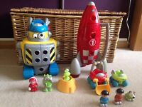 Happyland ELC Robot and Rocket - great set for a boy