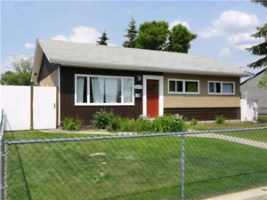 3 Bedroom Single level Bungalow in Mayfield