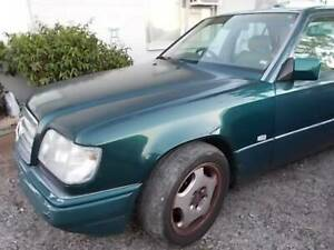 1994 Mercedes-Benz E220 SPECIAL EDITION Automatic Sedan Mount Louisa Townsville City Preview