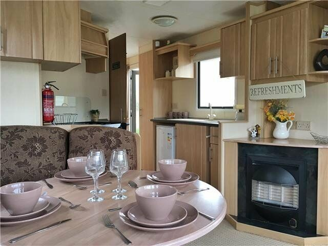 Cheap Starter Static Caravan for Sale in Mid Wales, Borth Near Aberystwyth, 12 Month Season.