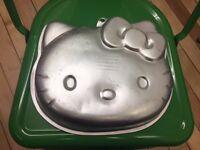 Hello Kitty Face Cake Tin