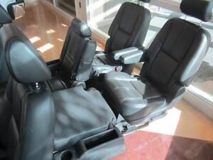 TAHOE FRONT/MID/REAR LEATHER SEATS 07-14 Peterborough Peterborough Area image 7