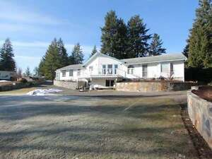 WATERFRONT 4Bdrm 3Bth Family Home 5.54 Acres