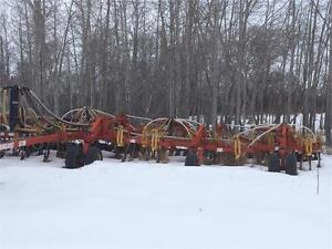 1999 BOURGAULT 5710 DRILL & 1998 4300 LEADING TANK