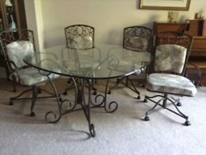 SMITTY'S OF HANOVER  6 PC NEW GLASS WROUGHT IRON  DINING SET