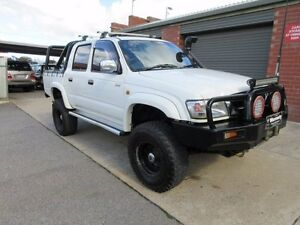 2001 Toyota Hilux KZN165R SR5 (4x4) White 5 Speed Manual 4x4 Dual Cab Pick-up Holden Hill Tea Tree Gully Area Preview