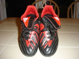 Adidas cleats in junior size 3 *Only worn once!