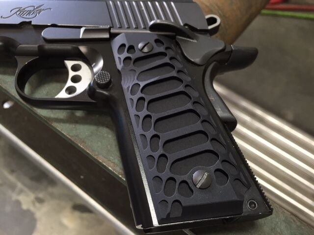 """1911 Compact Officer Grips Colt kimber Defender BLACK """"Cobra"""""""