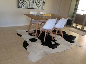 COW HIDE COWHIDE OFF WHITE/BLACK GENUINE LARGE RUG RRP $699 Benowa Gold Coast City Preview