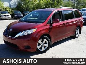 2011 Toyota Sienna LE 8 seater Back up camera