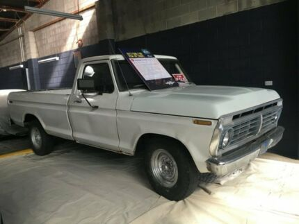 1973 Ford F100 3 Speed Automatic Utility