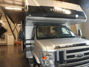 PERFECT FOR SNOWBIRDS 2010 FORESTER 3121DSF CLASS C MOTORHOME