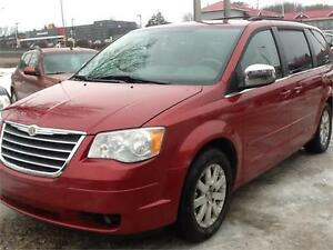 2008 CHRYSLER TOWN AND COUNTRY 155KMS $6500 FIRM